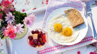 シンプルなアンチエイジングが一番!卵、ナッツ、夜納豆