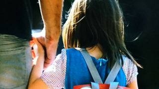 小さなヒロインからファッションを学ぶ映画【メイジーの瞳】